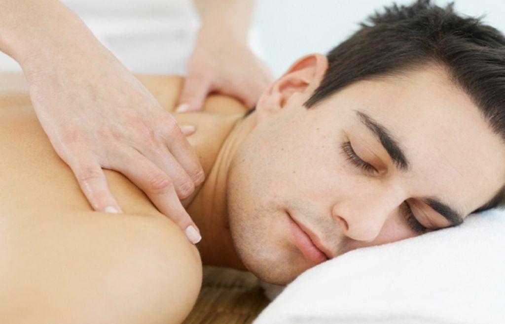 Pijat Untuk Memperkuat Keintiman Dan Memuaskan Hasrat Seksual